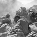 © Micha Bar-Am. Bombardamento, Canale di Suez, Guerra del Kippur, Ottobre 1973. © Micha Bar-Am / Magnum Photos.