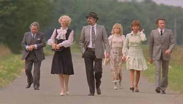 Frame dal film Il fascino discreto della borghesia di Luis Bunuel