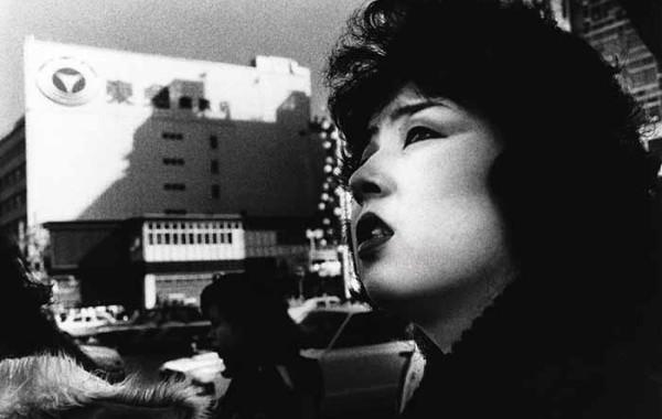 © Daido Moriyama Tokyo, 1978. fotografia b/n. Courtesy l'artista