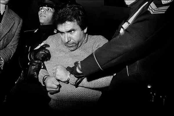 © Letizia Battaglia. L'arresto del feroce boss mafioso Leoluca Bagarella. Palermo 1980. Courtesy l'artista