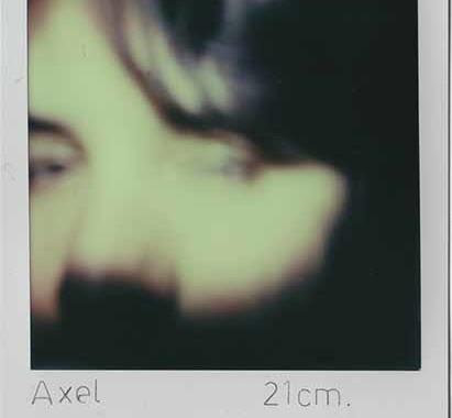© Irene Fenara. Ho preso le distanze, 2013. 33 Polaroid. Courtesy Irene Fenara